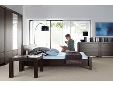 August - Bedside Cabinet (KOM1S)